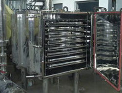 Vacuum Tray Driers